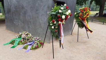 10 Jahre Denkmal für die im Nationalsozialismus verfolgten Homosexuellen